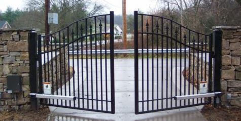 Automatic gate repair and servicing